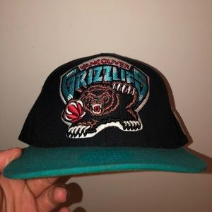 Vtg Vancouver Grizzlies Mitchell & Ness Snapback